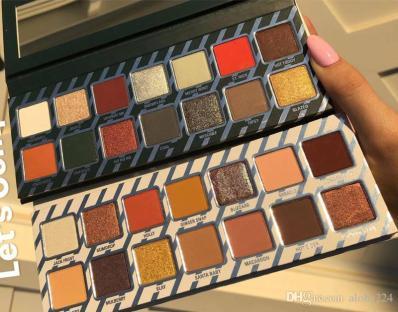 new-kylie-cosmetics-naughty-or-nice-eyeshadow
